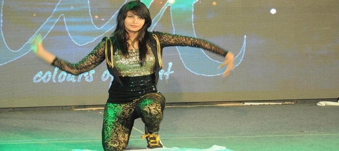 Celebrity choreographer Abhishri Sen brings Bolly-Hop right into your homes!