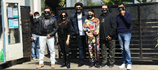 'Bhoot Police' team geared up for the shoot, leave for Dalhousie