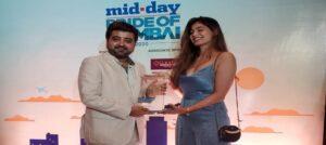 NGO founder Rakesh Kothari receives Pride of Mumbai Award 2020 from Puja Gupta