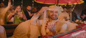 Vikrant Massey replicate the Ram Lakhan hook step and naagin dance moves